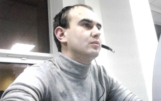 В Волгограде прощаются с известным радиоведущим Максимом Рогачевым
