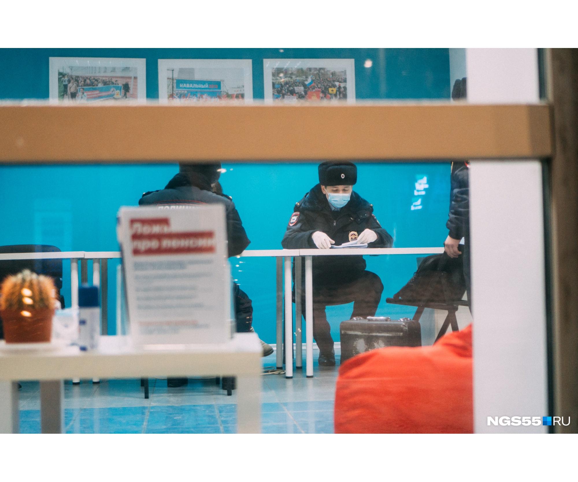 В УМВД России по Омской области от комментариев о причинах визита полиции отказались