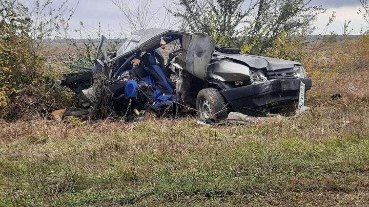 На Дону мать потеряла троих сыновей в аварии с КАМАЗом