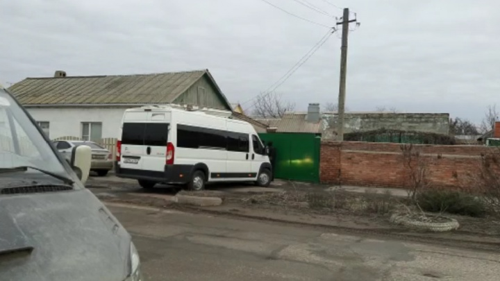 В Азове силовики пришли с обысками к журналистам