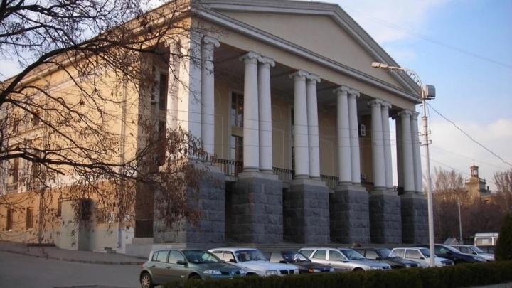 В Волгограде Театр музыкальной комедии закрыли для непривитых гостей