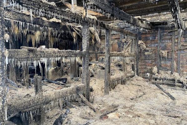 Пожар произошел в одной из построек канского предприятия