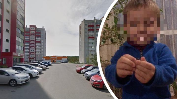 Минсоц проверит сотрудников опеки после скандала с голодным и полураздетым мальчиком на улице под Челябинском