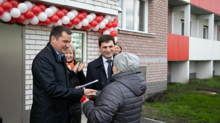 Опережая сроки: в правительстве региона рассказали, как строят 53 дома для переселения из аварийного жилья