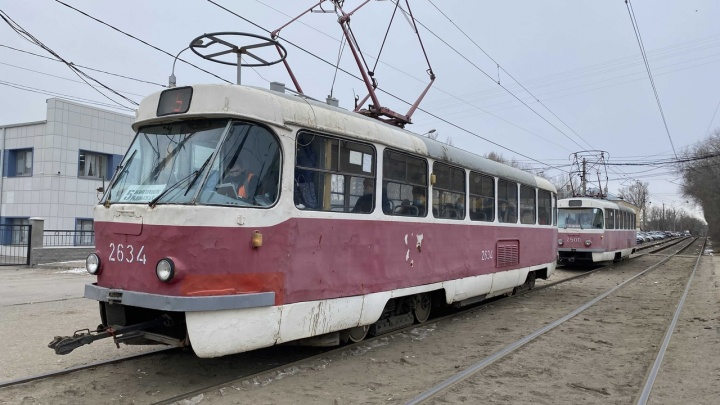 В Волгограде из-за пожара на Качинском рынке остановлено движение трамваев и троллейбусов