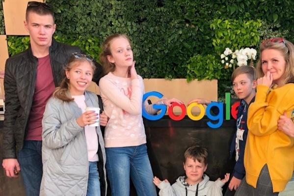 Во время поездки дети посетят офисы легендарных IT-компаний