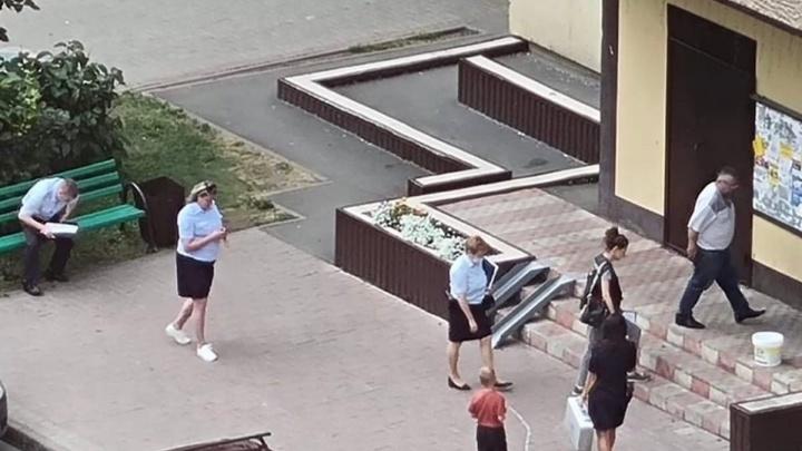 В СК прокомментировали сообщения жителей Кемерово об окровавленном лифте