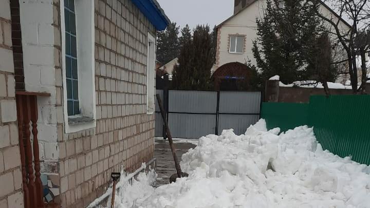 В Уфе из-за обрушения снега с крыши погиб мужчина