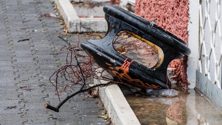 МЧС предупреждает о сильном ветре в Пермском крае