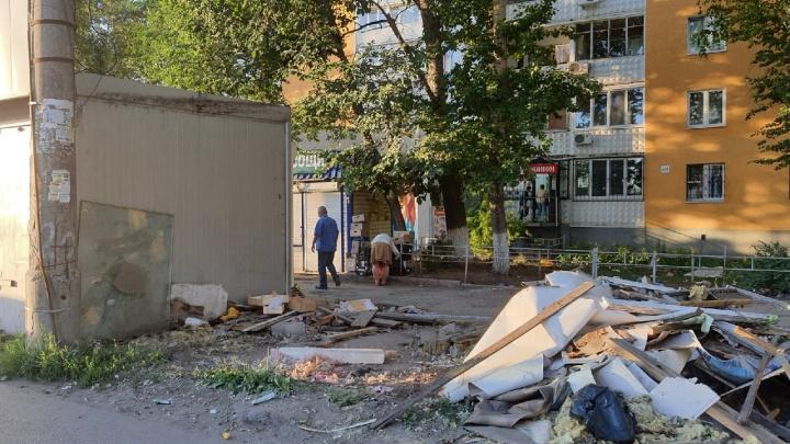 В Самаре начали разбирать рынок на пересечении Ново-Вокзальной и Московского шоссе