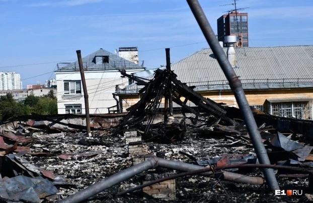 «Эти пятиэтажки проверяют раз в десять лет». Уральский пожарный рассказал, чем опасны хрущевки