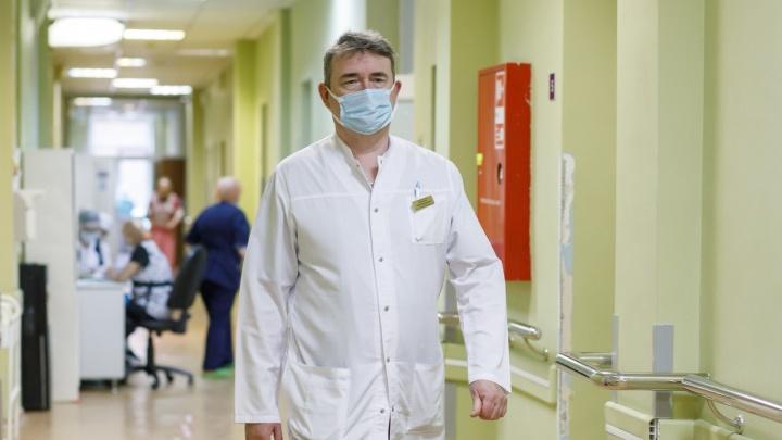 «Они месяцами кричат от боли!»: честный разговор с врачами Волгограда о переломе шейки бедра