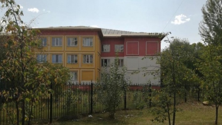На капремонт тюменской школы с родителей попросили по 15 тысяч. Власти заявили, что это не так