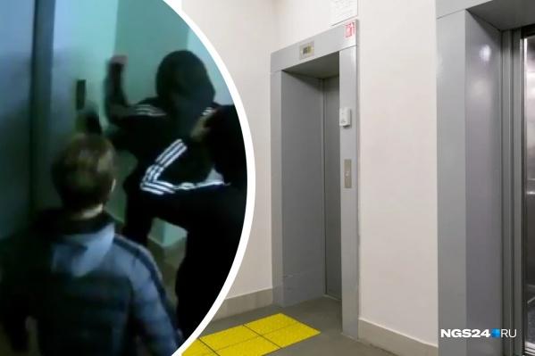 Подростки испинали кнопку лифта в доме на улице Мартынова