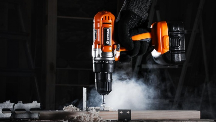 Провести День строителя с пользой: любые инструменты в «Галамарте» будут стоить всего один рубль