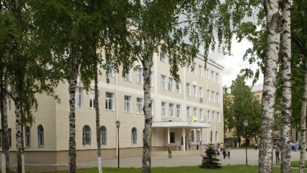 650 детей эвакуировали из нижегородского лицея из-за пожара