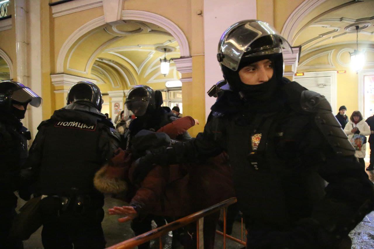 Задержания у Гостиного двора 23.01.2021