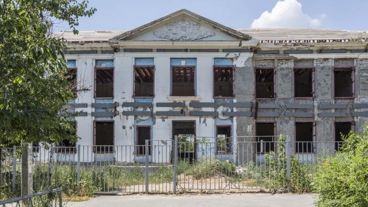 Должны справиться за пять месяцев: в Волгограде нашли нового подрядчика для ремонта 36-й школы