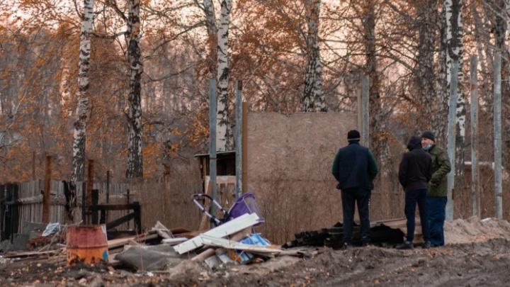 В Новосибирске до суда дошло дело о гибели трех детей во время пожара рядом со свалкой