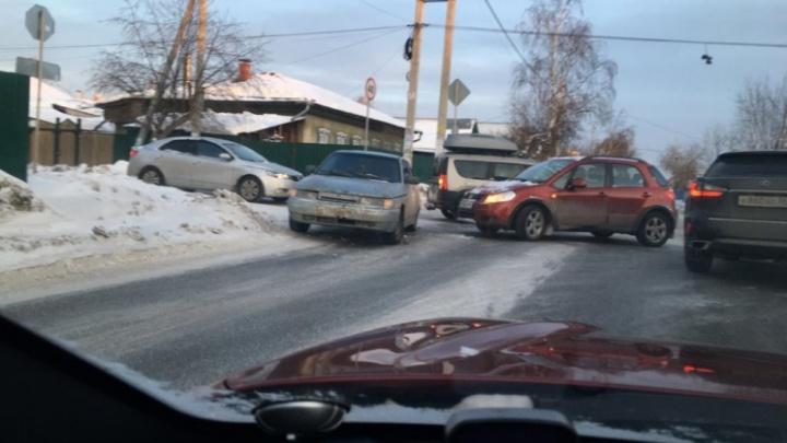 «Водители не хотят соблюдать правила». В мэрии рассказали, когда поставят светофор на «проклятом перекрестке»