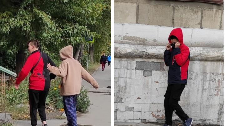 В Новосибирске подростки напали на женщину с ребенком — у нее сломан нос