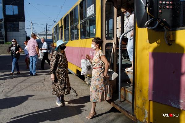 Ограничения трамвайного движения продлили еще на две недели