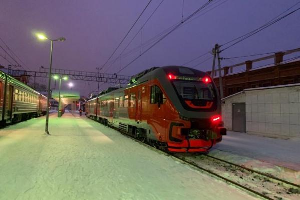 Пригородный поезд такого типа используют на участках железной дороги, которые не были электрифицированы
