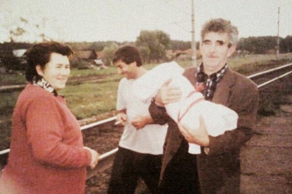 Семья Ноны Чиковани сменила много городов. Сама женщина — беженка из Абхазии