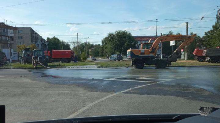 «Воду перекроют половине района»: на севере Волгограда крупная коммунальная авария