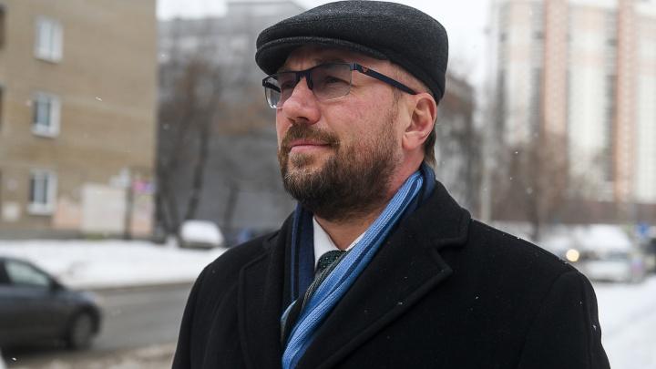 Глава Железнодорожного района Андрей Курочкин отвечает на вопросы читателей E1.RU в прямом эфире