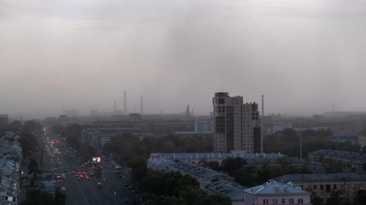 На Увильдах молния попала в гостевой дом, а Челябинск накрыла пылевая буря
