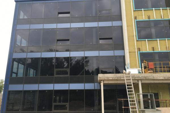 Складские помещения пытаются продать с 2019 года. За это время цена выросла на 5 миллионов рублей
