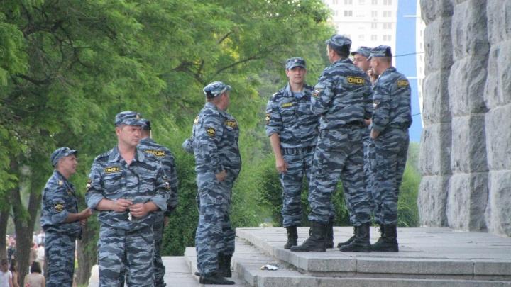 В центре Волгограда расстреляли и изрезали мужчину. Нападавший сбежал