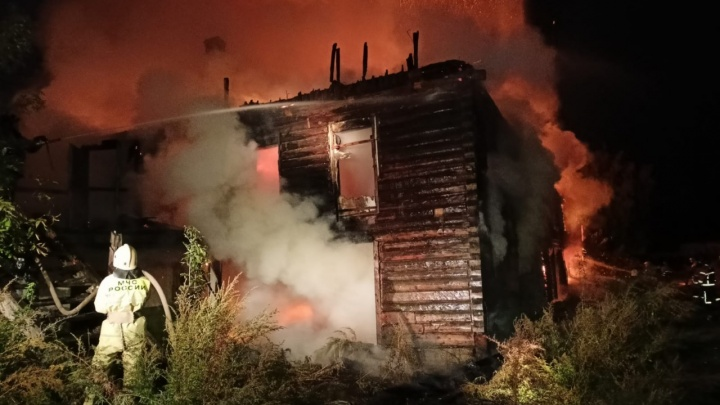 В Уфе в заброшенном здании заживо сгорели люди. Узнали, почему власти не снесли дом