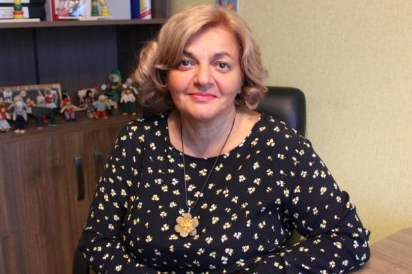 Лариса Лазарева почти 18 лет занимается помощью женщинам и детям, оказавшимся в трудной ситуации