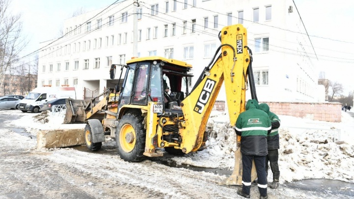 Мэр Ярославля отругал подрядчика за грязную работу на проспекте Машиностроителей