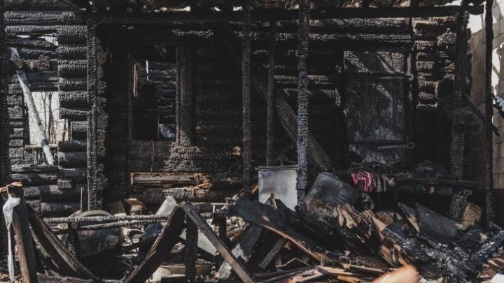 В селе Кын на пожаре погибли трое пенсионеров