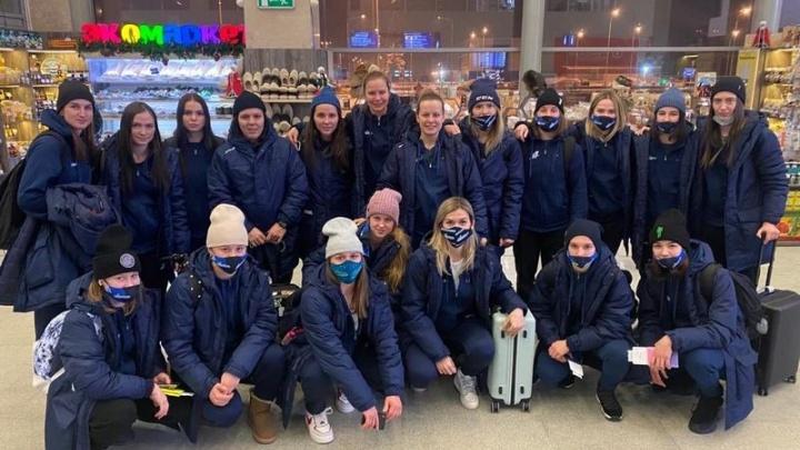 Уфимская женская хоккейная команда «Агидель» отправилась в выездное турне