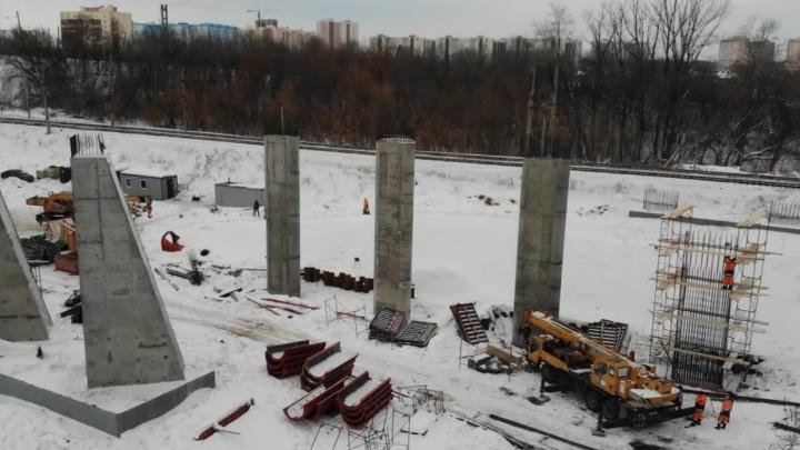 «Копошатся, не бросают»: самарцы оценили строительство развязки через ж/д для Фрунзенского моста — 2