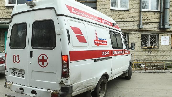 «Девочке лицо очень сильно разбил»: подробности нападения на бригаду скорой в Екатеринбурге