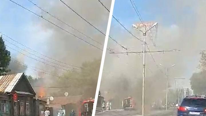 Кругом дым: появилось видео пожара в историческом центре Самары