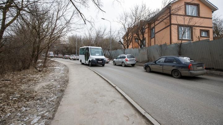 Помехи справа и слева. Чьи дома снесут ради шестиполосной дороги на Суворовский