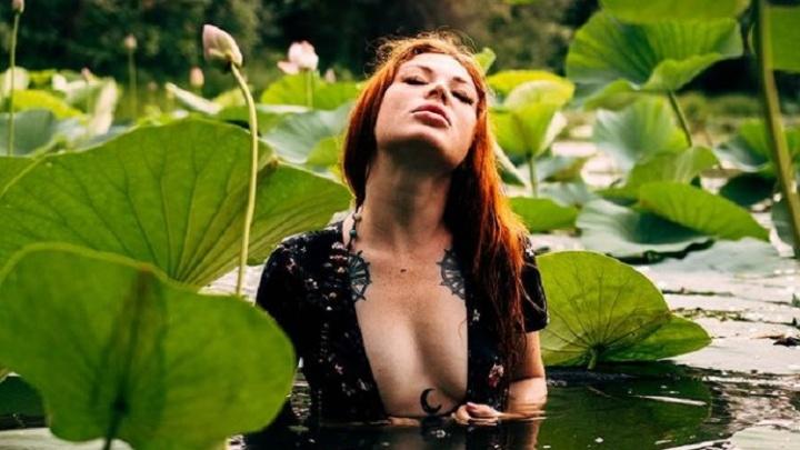 Глаза разбегаются от этой красоты: смотрим, как волгоградцы проводят время на озере лотосов