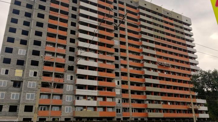 Всем не хватит: мэрию Самары обязали отменить разрешение на строительство дома без парковки