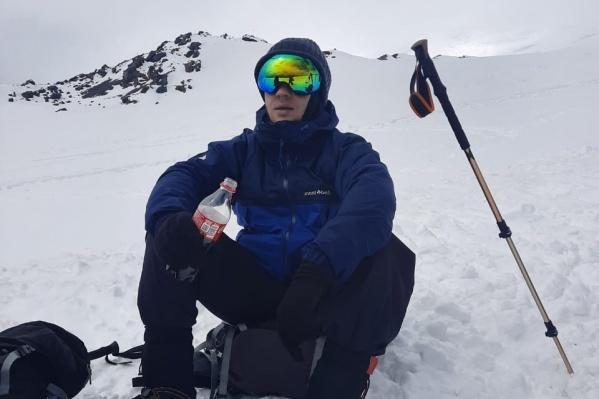 Поход на Эльбрус Кирилл Липай называет одним из ярких впечатлений в жизни. Того, что испортится погода, никто не ожидал