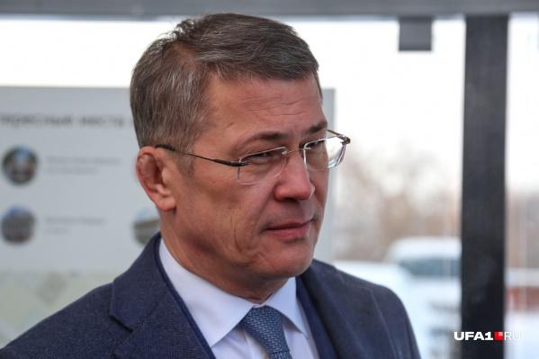 Хабиров призывает горожан срочно привиться от ковида
