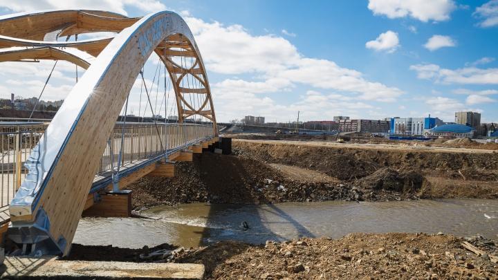 Власти Кемерово ответили, когда откроют новый мост через Искитимку. Это подарок городу к 300-летию