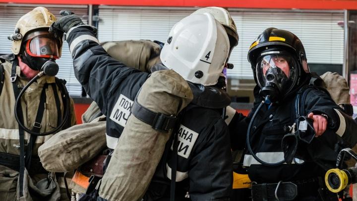 Сотрудники еще одной пожарной части в Прикамье пожаловались губернатору на низкую зарплату