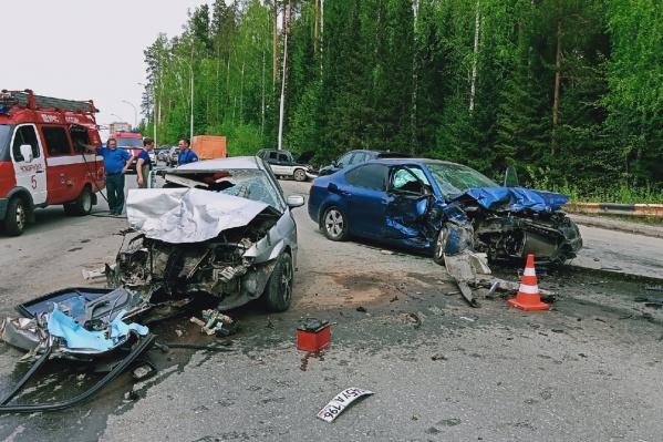 """Жуткая авария произошла <nobr class=""""_"""">15 мая</nobr> в Новоуральске"""