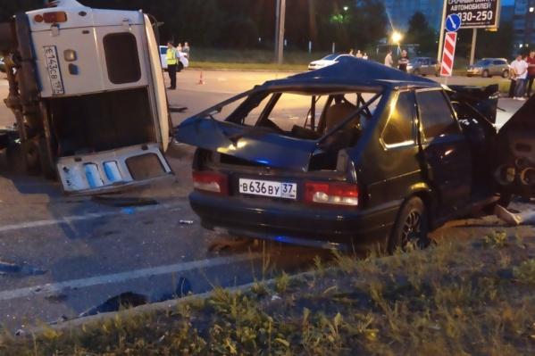 В столкновении пострадали несколько человек